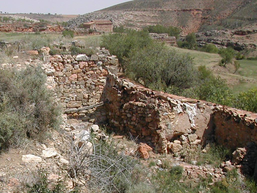 Ruta presa romana en el río Moyuela